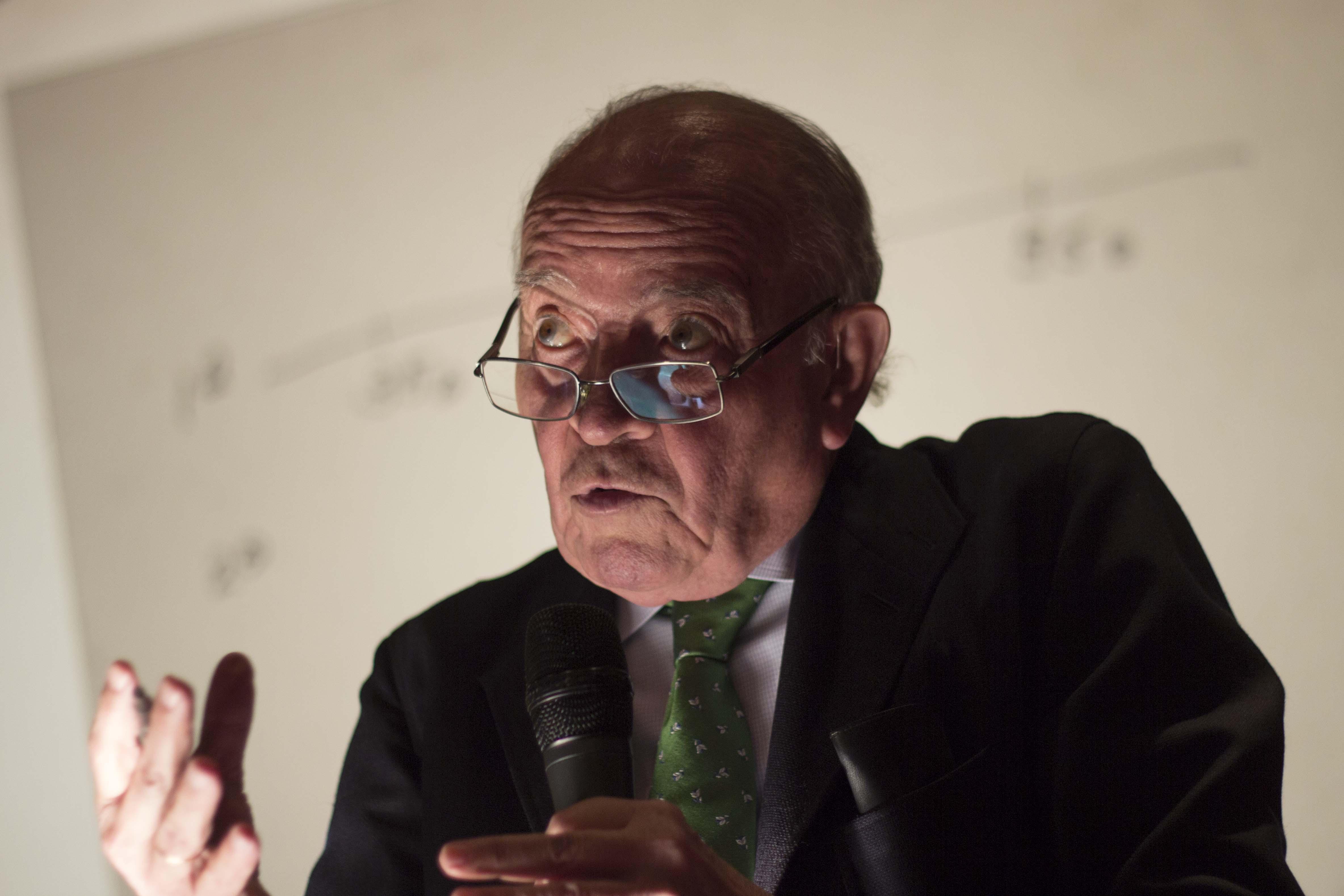Miguel Gallo, Prof IESE