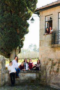 Duva Portugal wine girls 2