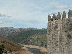 Barragem de Lindoso vista do Castelo